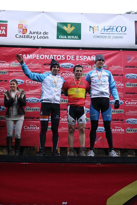 podium_m30_w