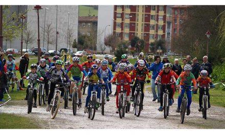 154 Deportistas abren los Juegos Escolares