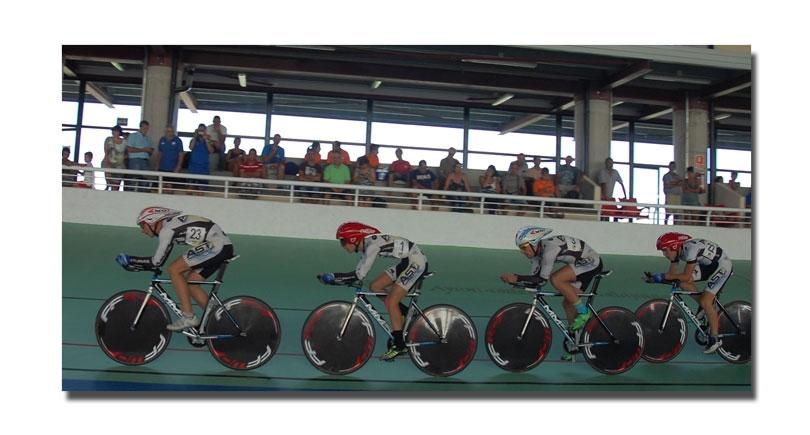Bronce en velocidad por equipos élite, final del Campeonato