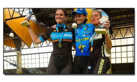 Taramundi corona a los campeones de Asturias de maratón 2015