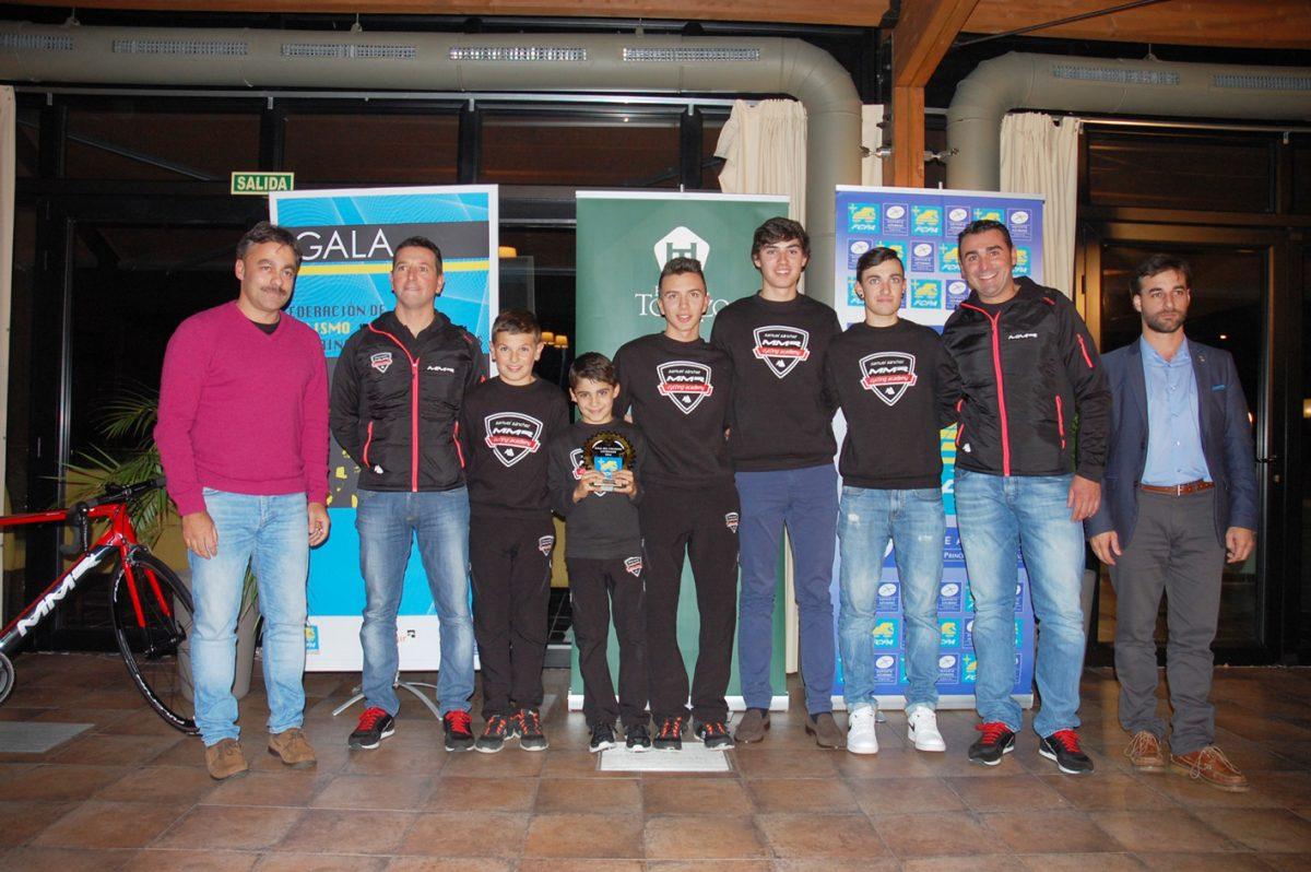 Mejor Club_gala-ciclismo-asturiano-2016