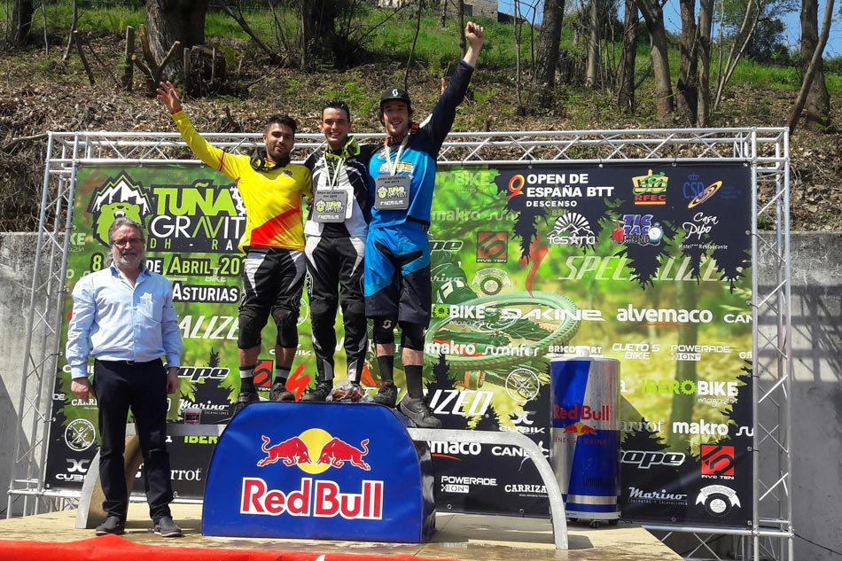 2-Podium-Scratch_tuna-gravity-dh-race