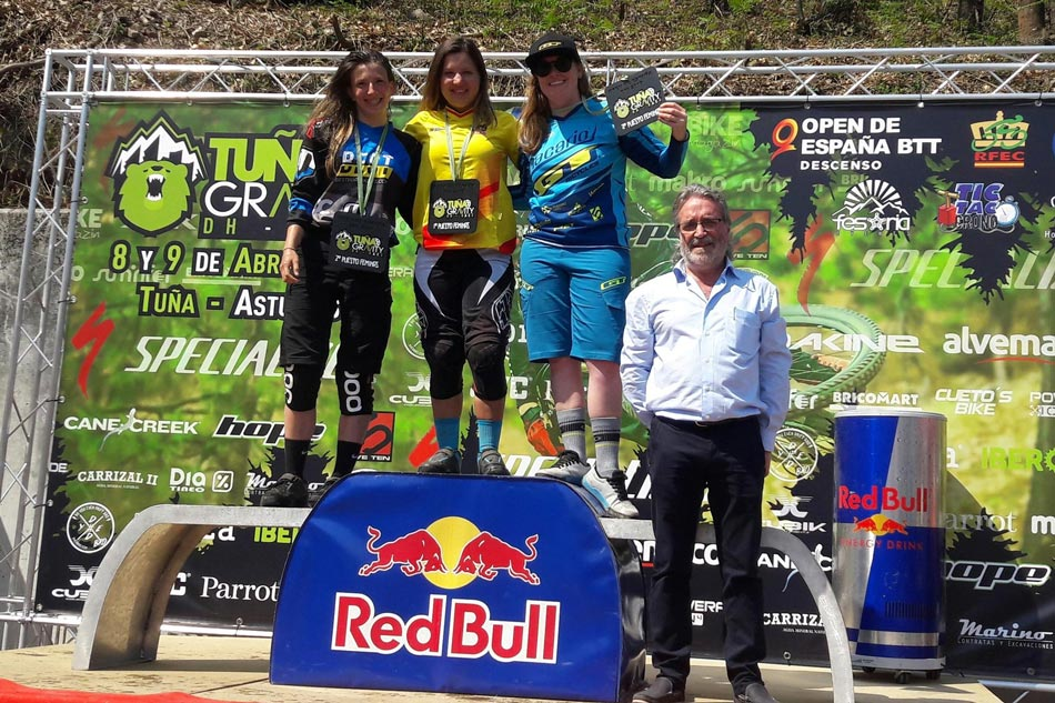 3-Podium-feminas_tuna-gravity-dh-race
