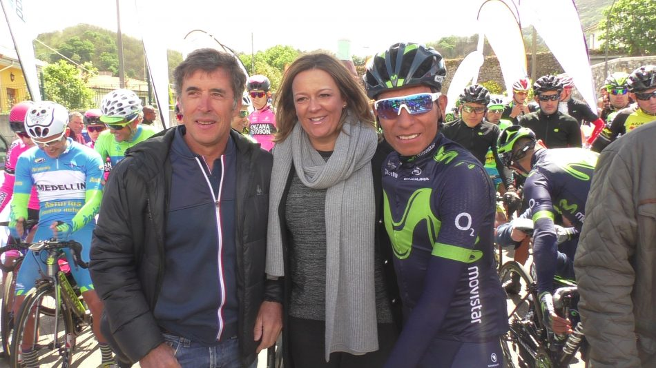 Pedro Delgado, Cristina Alvarez Mendo y Nairo Quintana