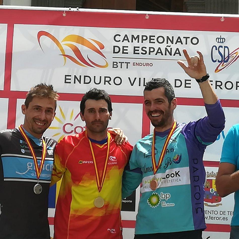ivan-runza-y-carlos-fernandez-campeones-espana-enduro-btt_IMG-20180709-WA0004