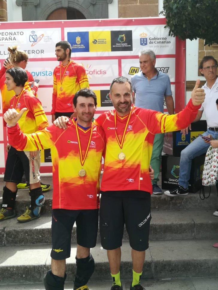 ivan-runza-y-carlos-fernandez-campeones-espana-enduro-btt_IMG-20180709-WA0030 - copia
