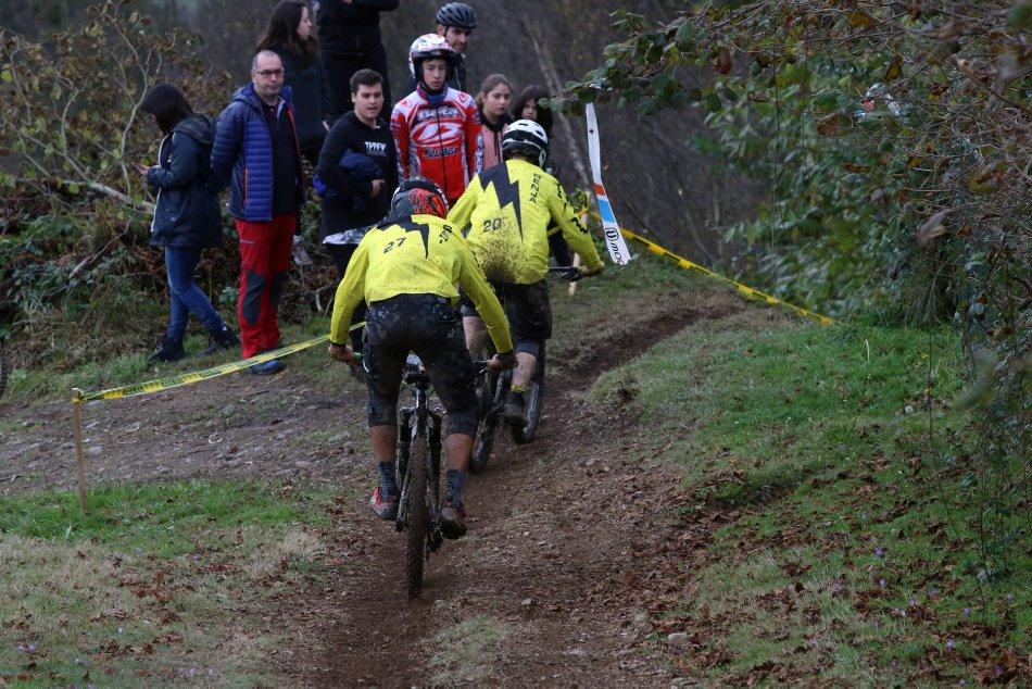 la-temporada-de-enduro-en-asturias-se-despidio-con-la-celebracion-de-cocanin-enduro-team-race_45403621_10217230070681418_5504231525920538624_o